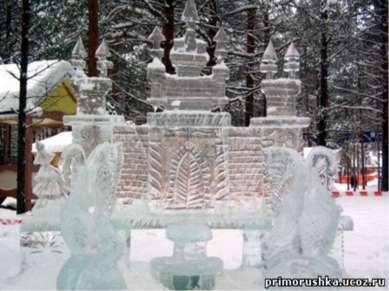 К дому Деда Мороза гостям предстоит добираться по Тропе Сказок или по Аллее Ч...