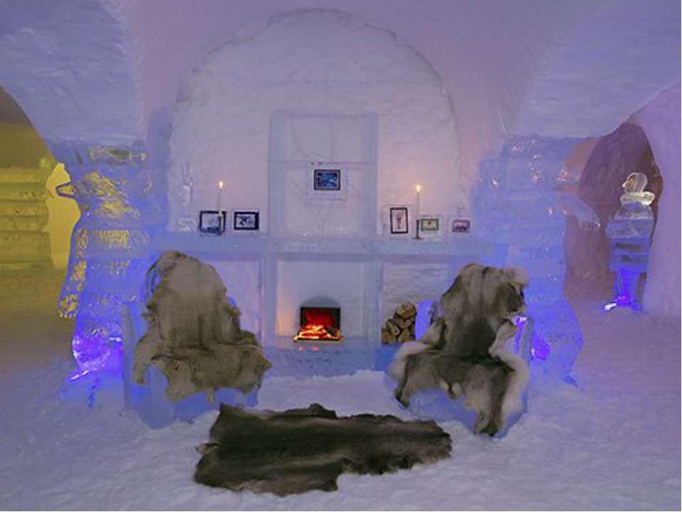 В Норвежской Лапландии есть даже ледяной отель. Интерьер отеля украшают ледян...