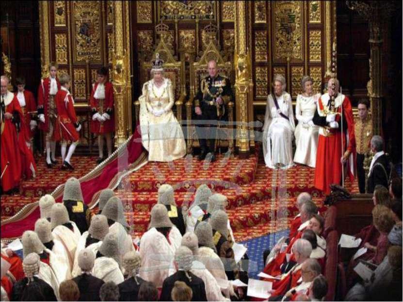 Во-первых, парламент утверждал (или не утверждал) налоги, о введении которых ...