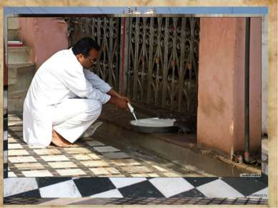 В городке Дешноке в западной Индии находится храм Карни Мата, построенный в ч...